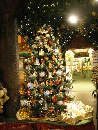 Käthe Wohlfahrts Weihnachtsdorf: Interior da loja