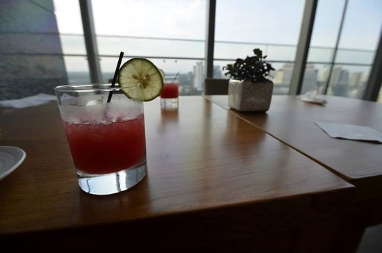 Oasia Hotel Novena, Singapore by Far East Hospitality: Our Singapore Sling in the Club Lounge