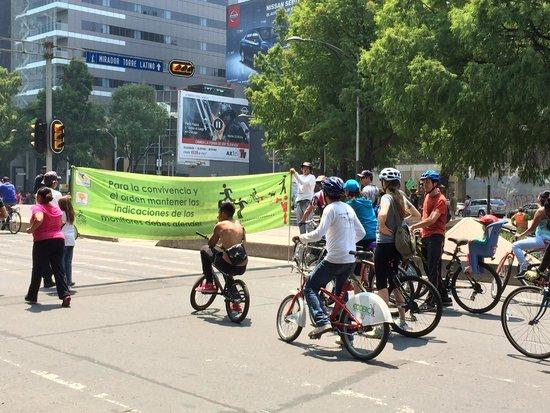 Paseo de la Reforma: Passeio de bicicleta aos domingos