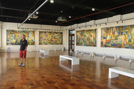 Museo Nacional: the Manansala's works