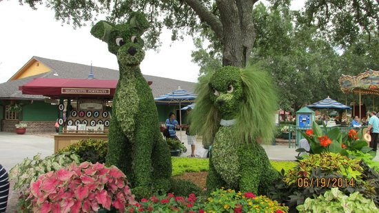 Disney Springs: The Lady and the Tramp