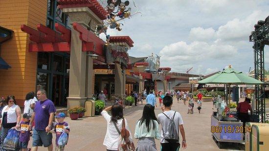 Disney Springs: In front of the Disney Souvenir store looking west.