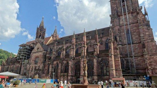 Freiburger Münster: Kathedraal (deels in de steigers)
