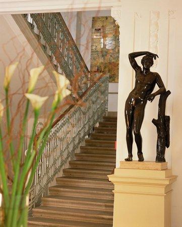 NH Wien Belvedere: Lobby/Reception