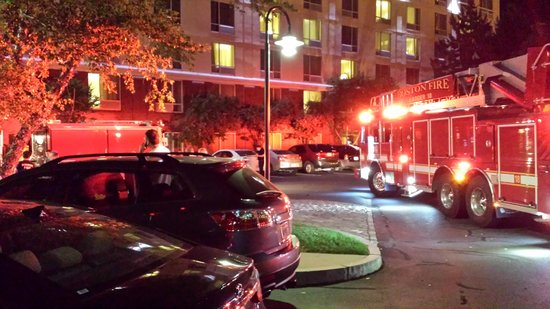 DoubleTree Club by Hilton Hotel Boston Bayside: Hotel Evacuation (3)