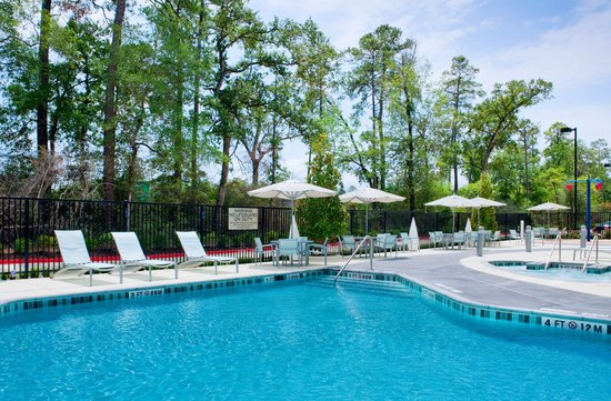 SpringHill Suites Houston The Woodlands: Be cool by the Pool!