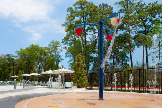 SpringHill Suites Houston The Woodlands: It's hot outside!  Check out the Cool Splash Zone!
