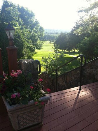 The Spa at Norwich Inn : View of the golf course behind the inn