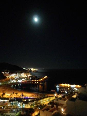 Servatur Puerto Azul : balcony evening view