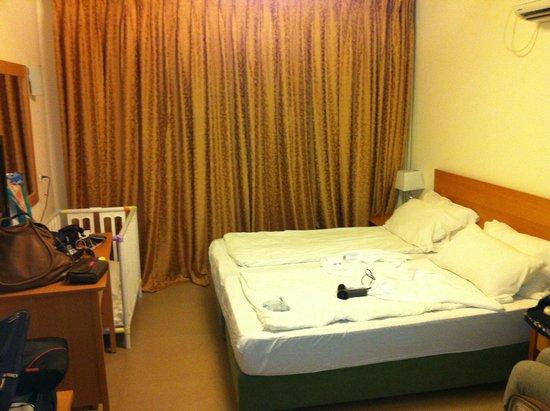 Ein Gedi Hotel : camera da letto