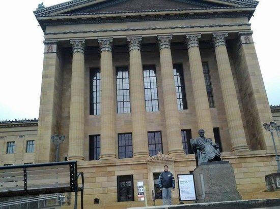 Philadelphia Museum of Art: em frente ao museu de arte