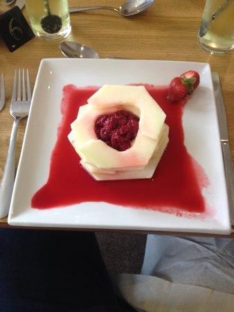 Townhead Hotel : Melon & Raspberry Tower