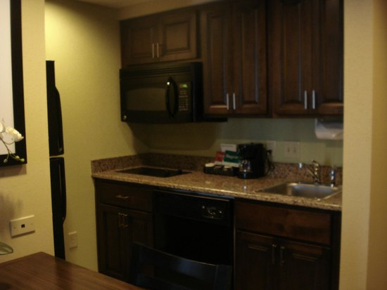 Homewood Suites by Hilton Charlotte/Ayrsley: little kitchen