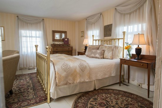 Colby Hill Inn: Guest Room 1
