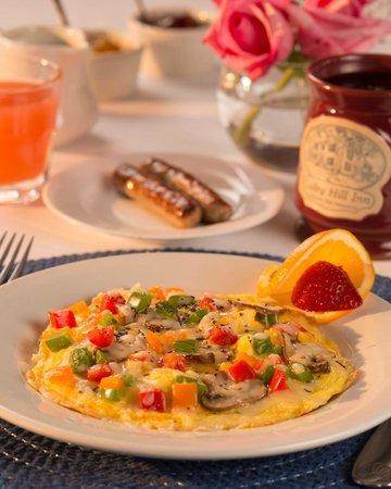 Colby Hill Inn : Bountiful Breakfast served each morning