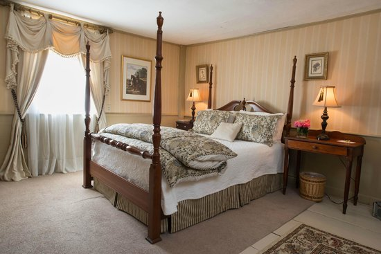 Colby Hill Inn: Guest Room 6