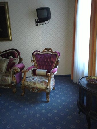 Hotel Urania: Imperial chair
