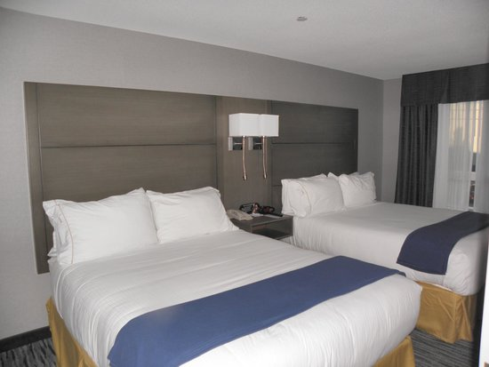 Holiday Inn Express Hotel & Suites Riverport: bedroom