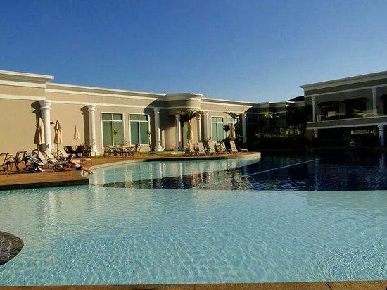 Wish Resort Foz do Iguaçu: Piscina principal do hotel.