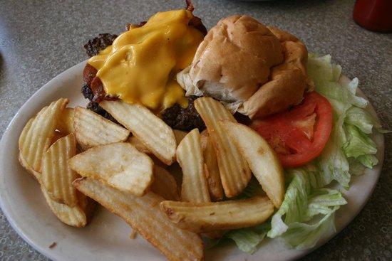 Lenny's Restaurant: Lenny's Cheese Burger