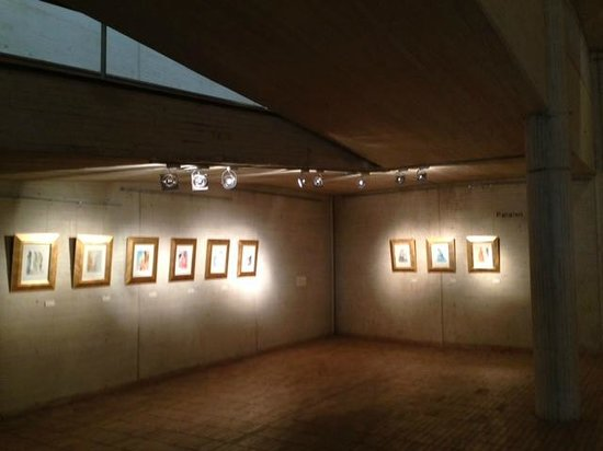 Centro Cultural Gabriel Garcia Marquez: Excelente exposicion