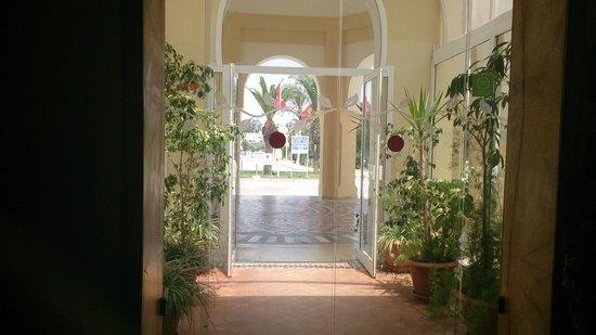 Medina Belisaire & Thalasso : l'entrée de l'hotel