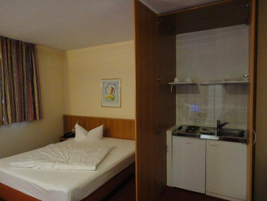 ACHAT Comfort Messe-Chemnitz: Hotel Room