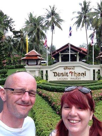 Dusit Thani Laguna Phuket: Selfie with the sign