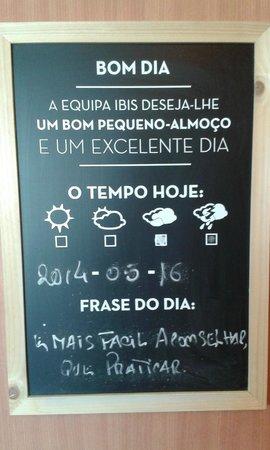 Ibis Porto Sao Joao: quadro simpatico no restaurante