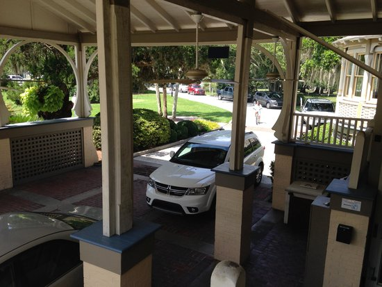 Jekyll Island Club Resort : Check-in area (bell staff very friendly)