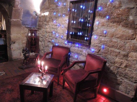 Le Caveau de L'isle: Lower level, sitting area facing small bar area
