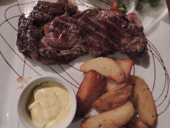 Le Caveau de L'isle: Entrecote, choice of sauce