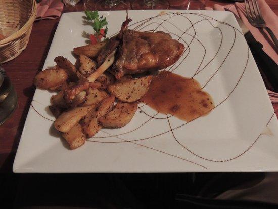 Le Caveau de L'isle: Duck with potatoes