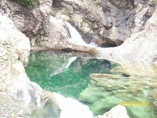 Crystal clear pools picture of fairy pools isle of skye - Crystal clear pools ...