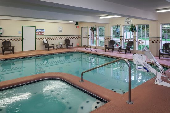 Holiday Inn Express Anchorage : Indoor Heated Pool and Spa