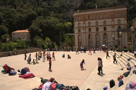 Barcelona Turisme - Afternoon in Montserrat Tour: open space outisde