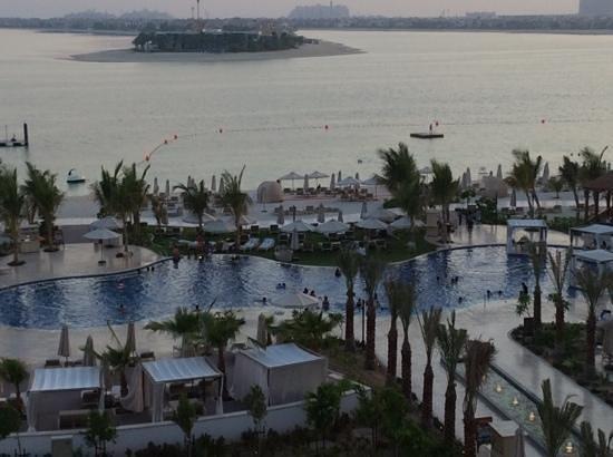 Waldorf Astoria Dubai Palm Jumeirah: more like a daycare than relaxing pool