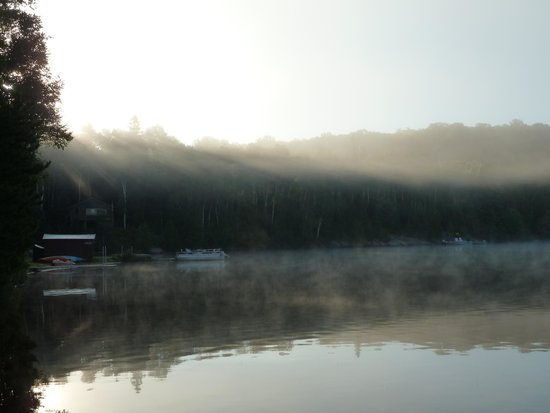 Hay Lake Lodge and Cottages: dawn