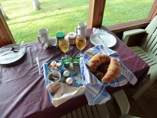 Hay Lake Lodge and Cottages: breakfast!