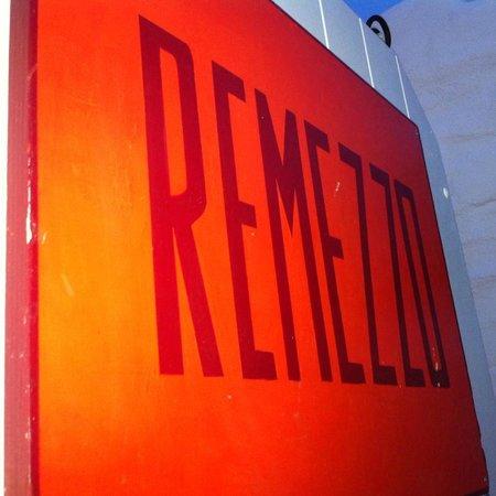 Remezzo in red...