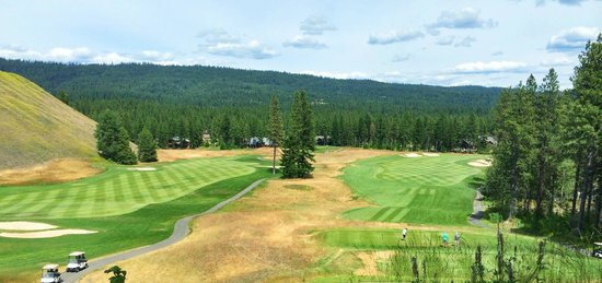 Suncadia Resort : View from the Rope Rider clubhouse - holes #1 and #9
