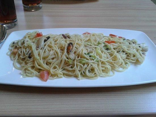 La Piazza: Spaghetti Frutti di Mare