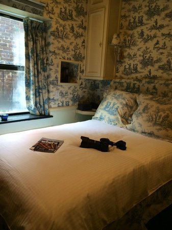 Mayfair Hotel: Room 608