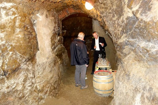 Slavonice, Tschechien: Wine cellar at the wine tasting.