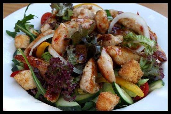 Mo's on Rex: Yummy salad