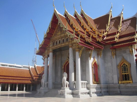 la cour int rieur picture of wat benchamabophit the marble temple bangkok tripadvisor. Black Bedroom Furniture Sets. Home Design Ideas