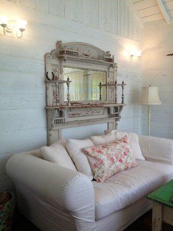 The Prairie by Rachel Ashwell: Living Room in The Bluebonnet Barn