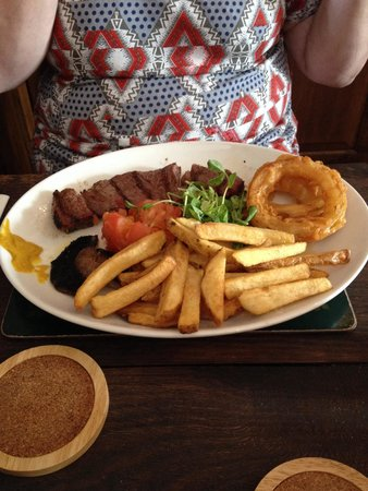 The Tram Inn: Best steak in Herefordshire!