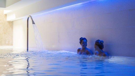Montaigne Hotel & Spa: Espace piscine