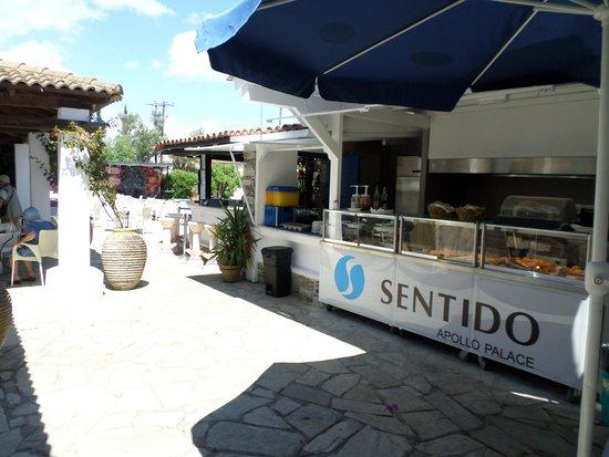 SENTIDO Apollo Palace: coin snack et bar